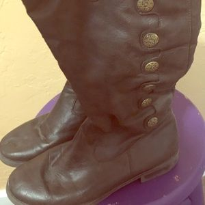 Y-NOT? Brown, mid-calf, flat boots, size 9!